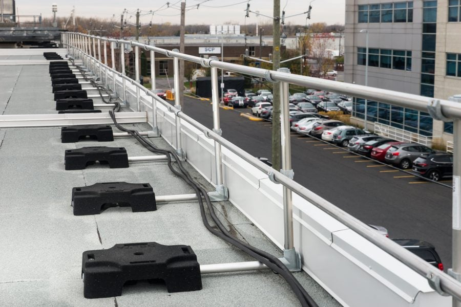 Roof guardrail: How to make the right choice?