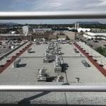 Ligne d'avertissement permanente et système de garde-corps pour échelle d'accès