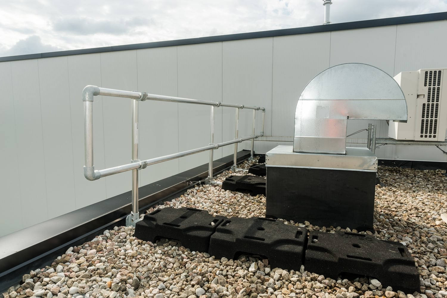 Delta Prevention Freestanding Guardrails And Roof Hatch