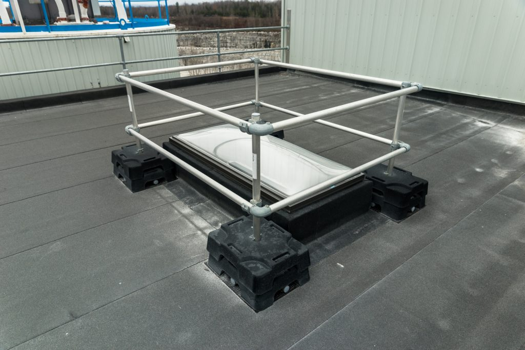 roof-skylight-protection-guardrail-4
