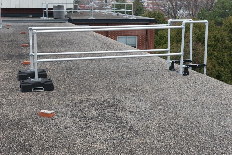 La stabilisateur d'échelle coulissante rend l'utilisation des échelles coulissantes plus sécuritaire